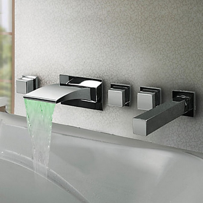 Thermochromic Contemporary Chrome Finish LED Waterfall Bathroom Tub Faucet T8043